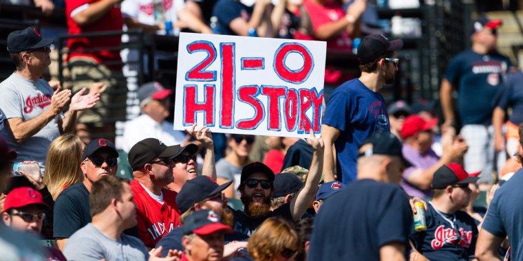 cleveland-indians-fan-sign-win-streak